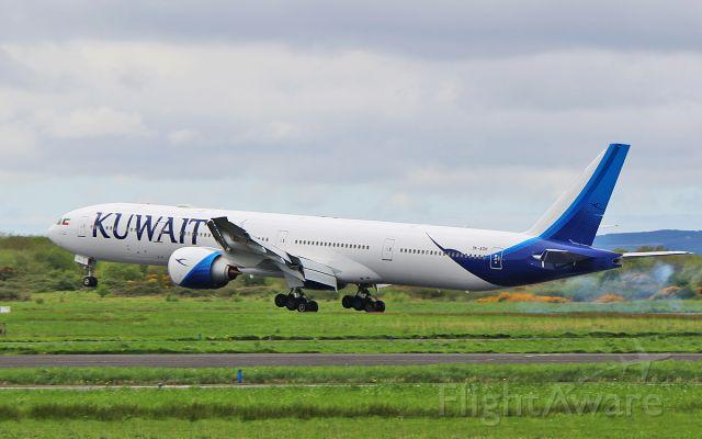 BOEING 777-300 (9K-AOH) - kuwait b777-369er 9k-aoh landing at shannon 17/4/17.