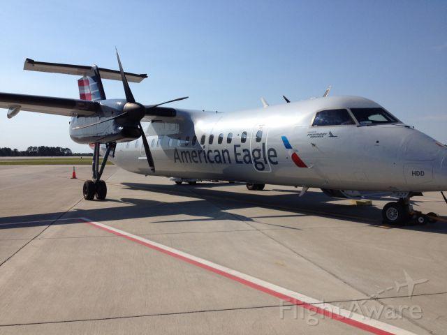 de Havilland Dash 8-300 — - New livery for Piedmont