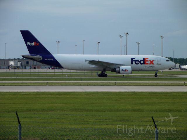 Airbus A300F4-600 (N690FE)