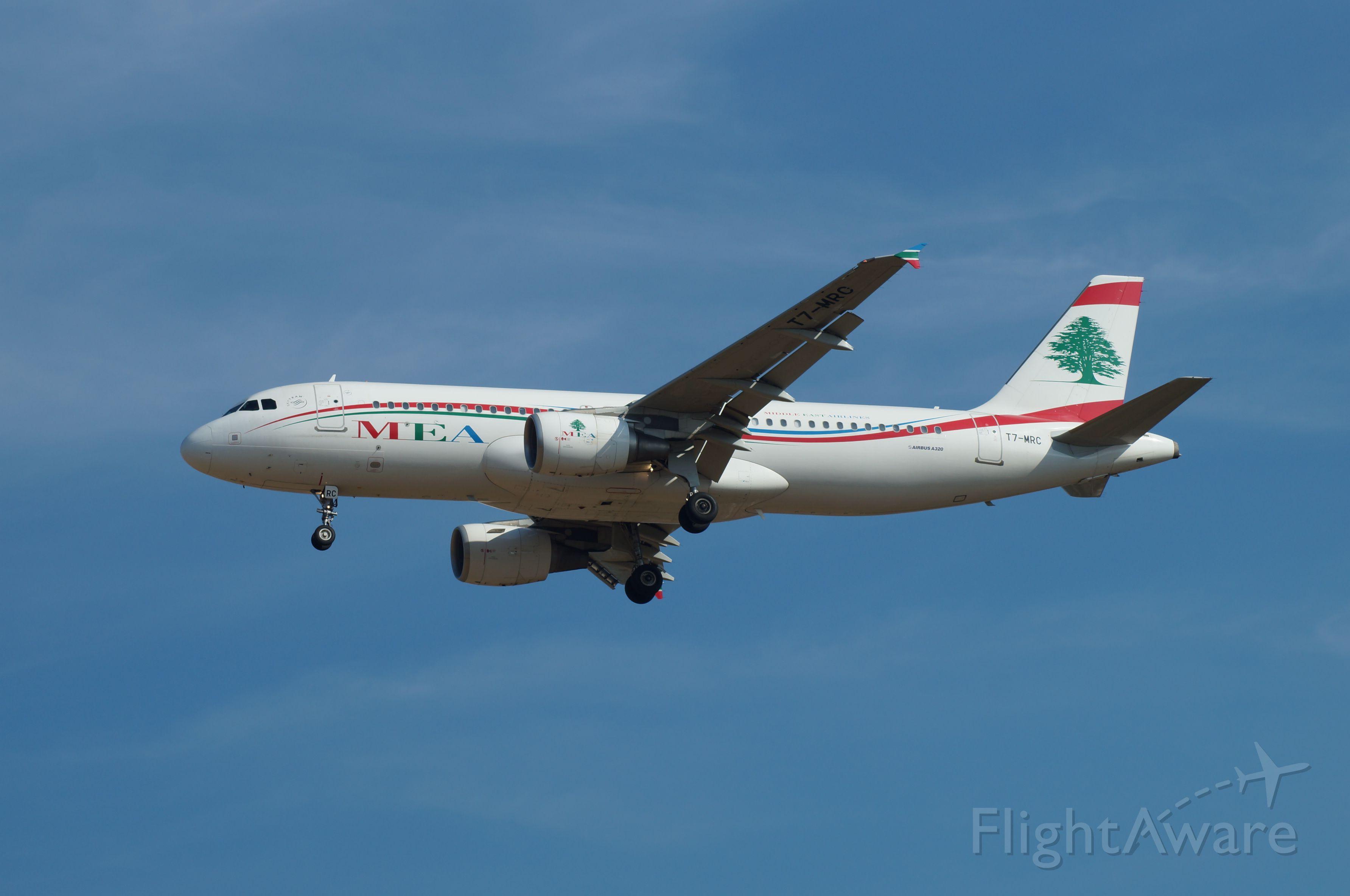 Airbus A320 (T7-MRC)