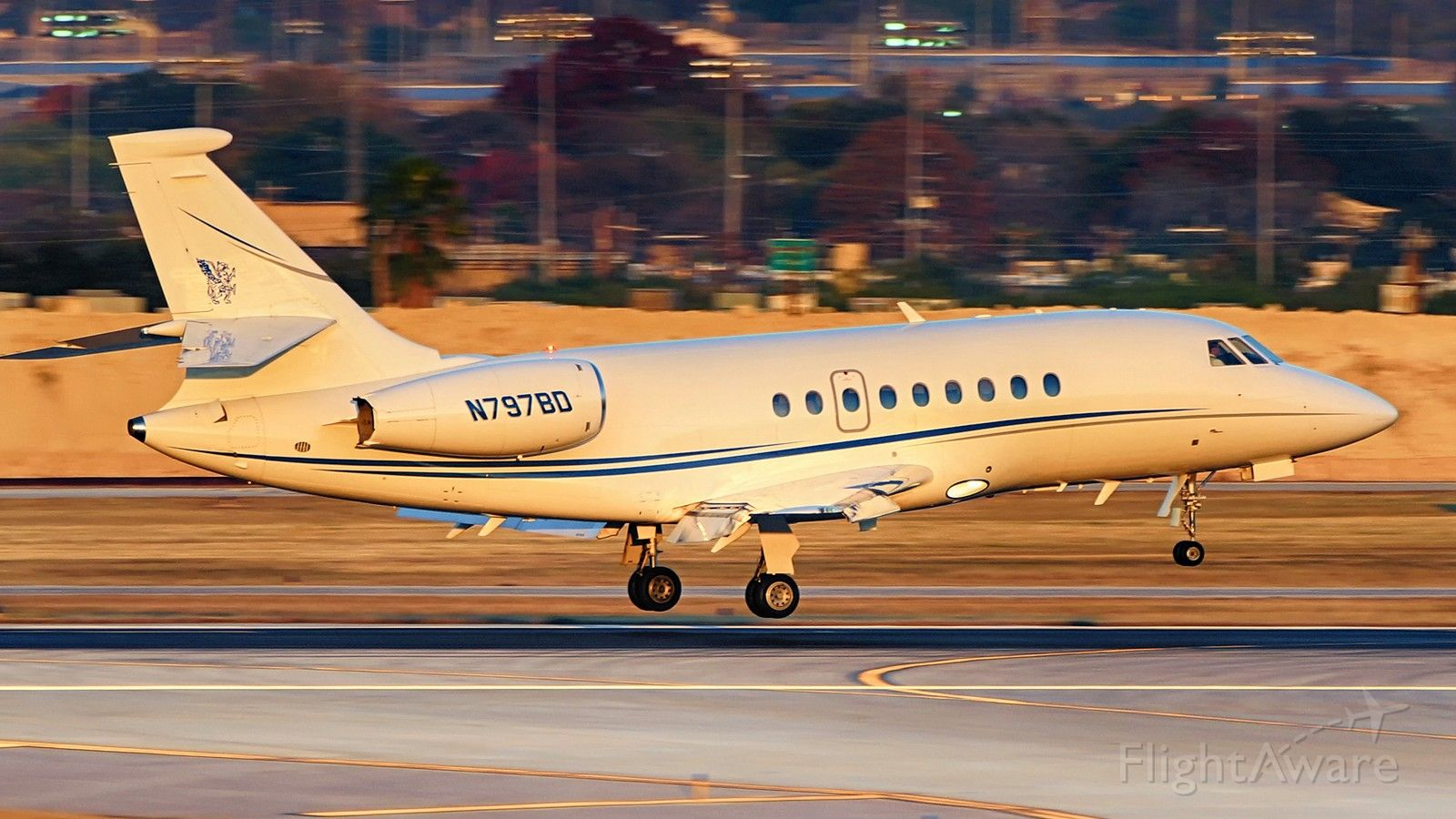 Dassault Falcon 2000 (N797BD) - 13R arrival just before sunset.