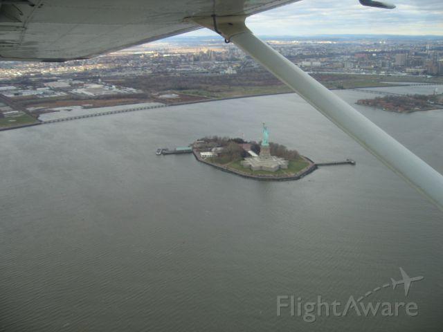 — — - Statue Of Liberty