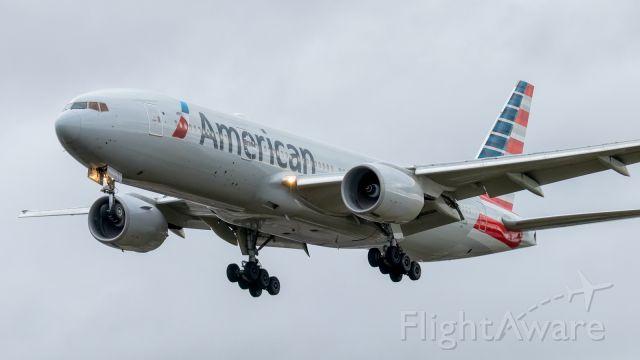 BOEING 777-200LR (N765AN)