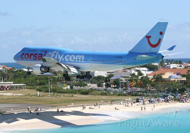 Boeing 747-400 (F-HLOV) - Landing in St Martin