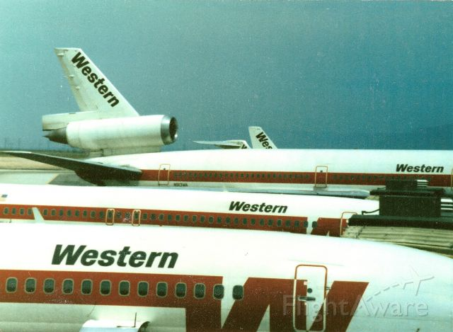McDonnell Douglas DC-10 (N913WA) - The old Western parked at