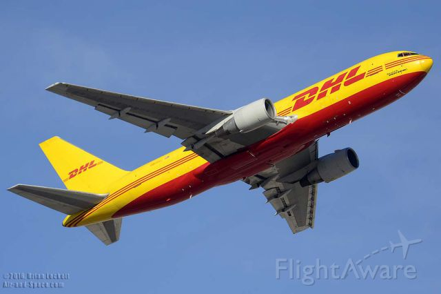 BOEING 767-200 (N656GT) - DHL Boeing 767-281F N656GT departing from Sky Harbor with an Ohio State football charter bound for Port Columbus International Airport on January 2, 2016. It first flew as N1789B on January 27, 1984. Its construction number is 23017. It was delivered to All Nippon as JA-8486 on March 1, 1984. Airborne Express registered it as N784AX on July 21, 1999 and leased it to DHL as N656GT on January 22, 2015.
