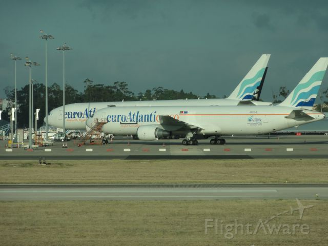 BOEING 767-300 (CS-TLZ)