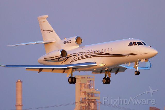 Dassault Falcon 900 (N446TD) - 22 approach.