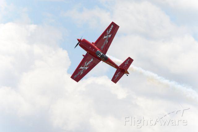 EXTRA EA-300 (N911CG)