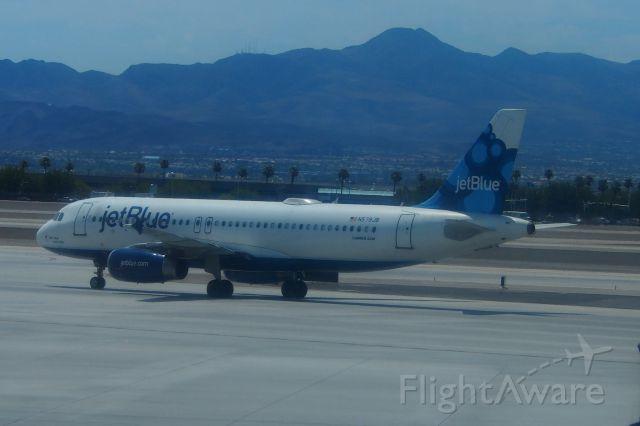 Airbus A320 (N579JB)