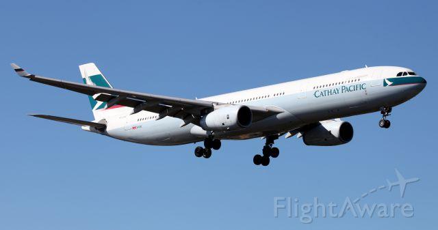 Airbus A330-300 (B-LAQ) - Short Final To RW 25