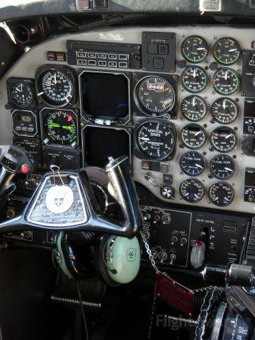 Beechcraft 1900 (N195GL)
