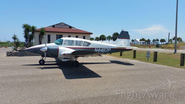 Piper Apache (N4487P)