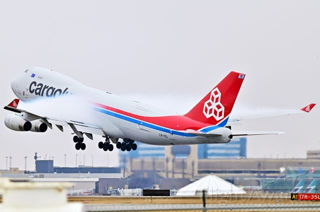 Boeing 747-400 (LX-ICL) - Cargolux Boeing 747 pulling some serious vapor as they depart 35L at YYC on Mar 28, 2020.