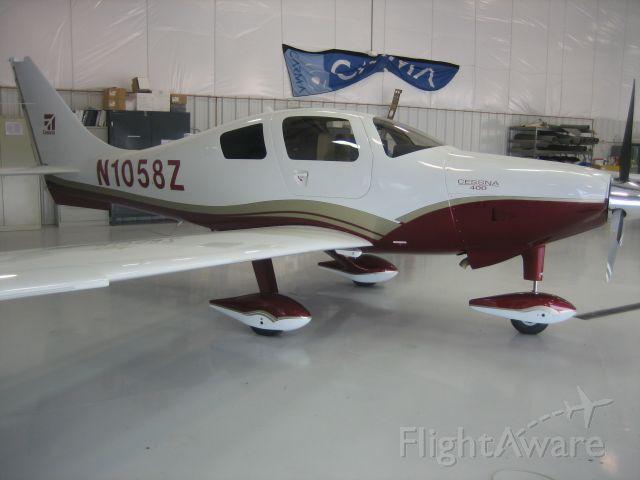 Cessna 400 (N1058Z)