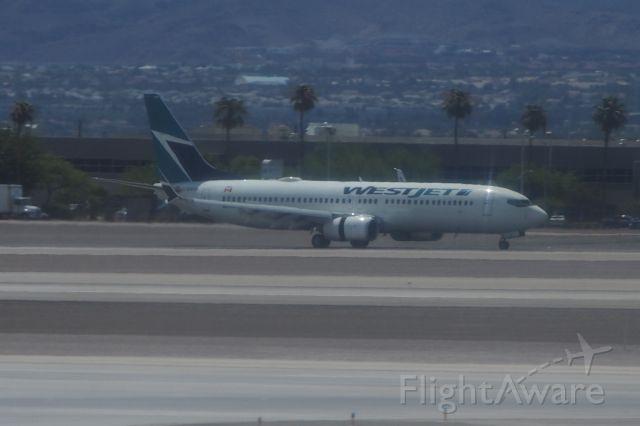 Boeing 737-700 (C-GWSA)