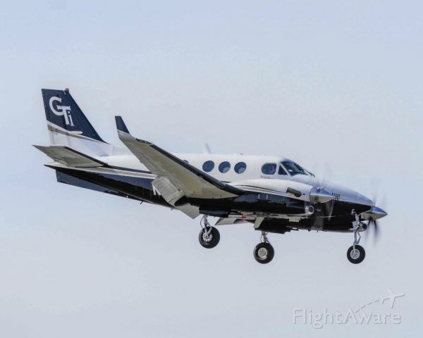 Beechcraft King Air 90 (N528GM)