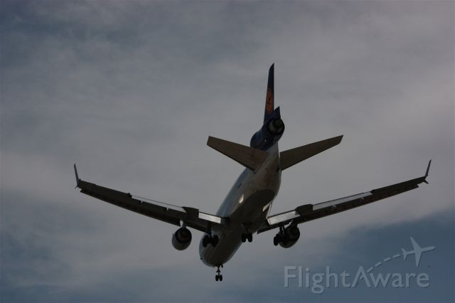 Boeing MD-11 (D-ALCF)