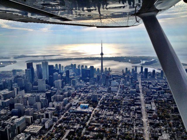 Cessna Skylane (C-GDBG) - Toronto, Canada