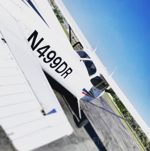 Cessna Skyhawk (N499DR) - Fueled and ready to continue on the Cross Country.