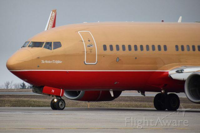 Boeing 737-700 (N711HK) - Herbert D. Kelleher (Desert Gold Livery}