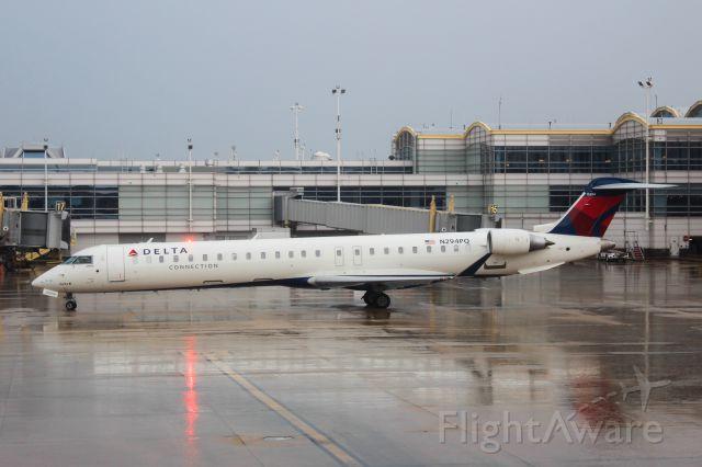 Canadair Regional Jet CRJ-900 (N294PQ)