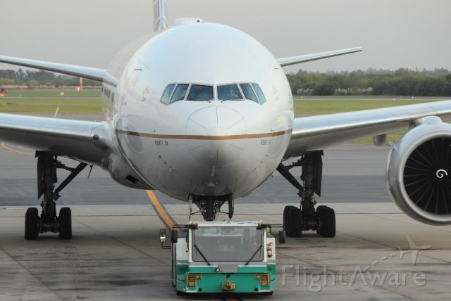 Boeing 777-200 (N77006) - Taxing the B777-224(ER), Robert Fix´s plane at EZE SAEZ, Argentina