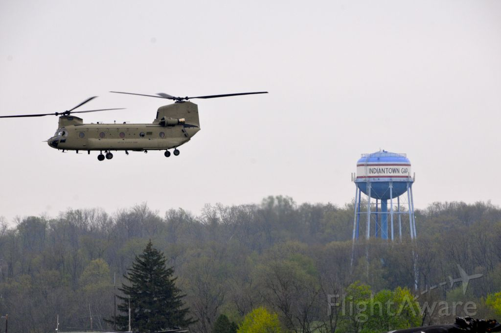 Boeing CH-47 Chinook — - Soldiers with Bravo Company, 2-104th General Support Aviation Battalion, 28th Combat Aviation Brigade conduct training flights in a CH-47 Chinook helicopter at Fort Indiantown Gap, April 21, 2017.