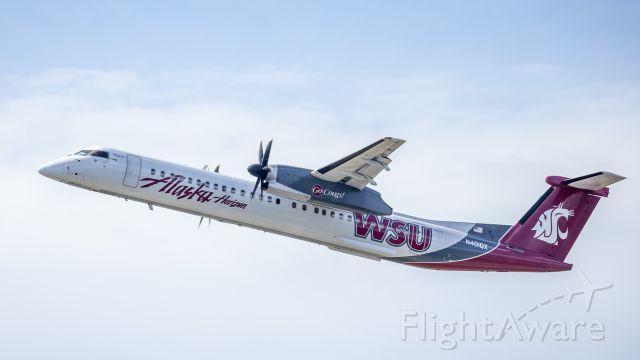 de Havilland Dash 8-400 (N401QX)