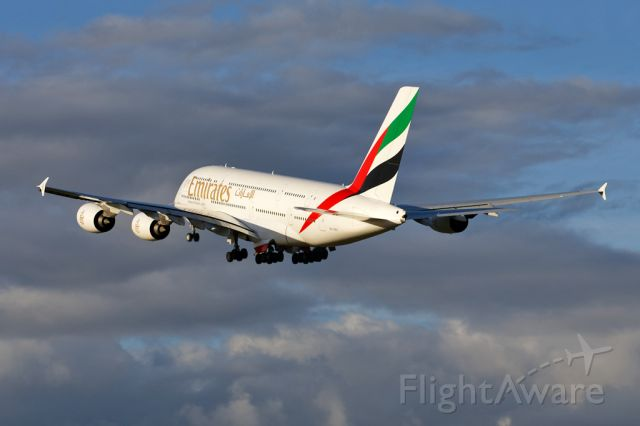 Airbus A380-800 (A6-EES) - UAE22 departing to Dubai