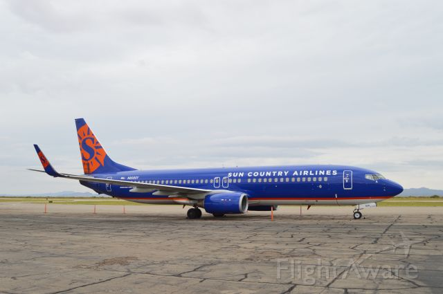 Boeing 737-800 (N808SY) - A rare visitor to Las Cruces, NM, this Sun Country 737-800 transported the San Diego State University football team for their game against New Mexico State on Sep. 14, 2019.