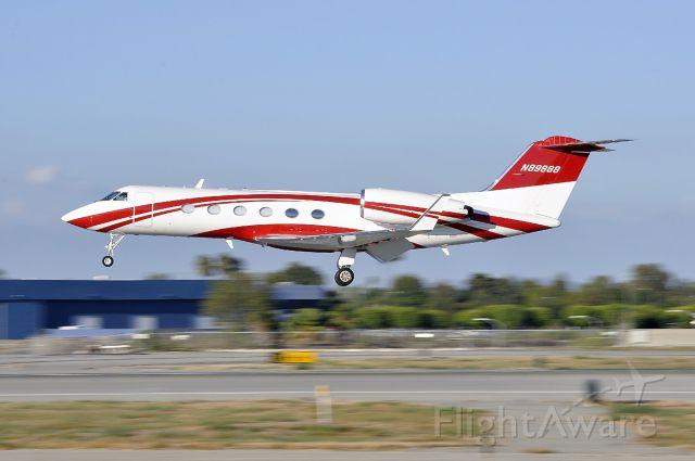 Gulfstream Aerospace Gulfstream IV (N89888) - A little panning shot of this beautiful G4 landing on runway 30 at Long Beach Airport.
