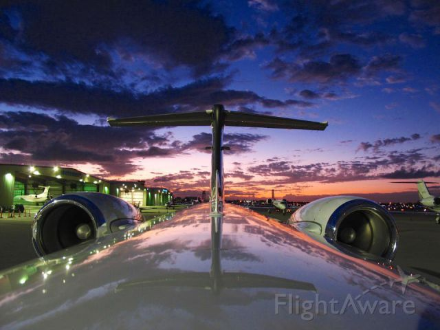 Embraer Phenom 300 (N337FL) - Early morning show. Glad I had the extra time to take the shoot.