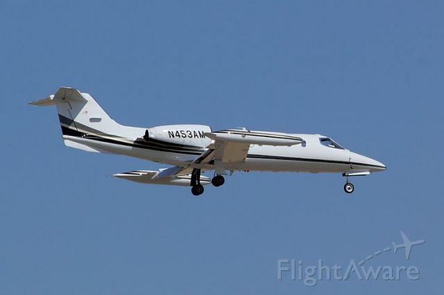 Learjet 35 (N453AM)