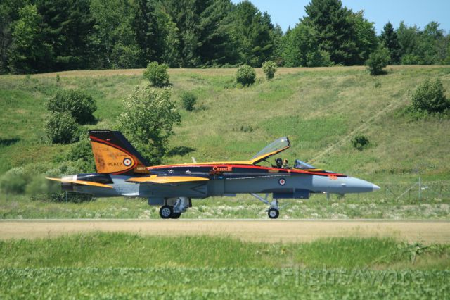 — — - Vintage Wings Gatineau, QC - RCAF CF-18 Demo Team 2016 painted to Commemorate British Commonwealth Training Program WW2