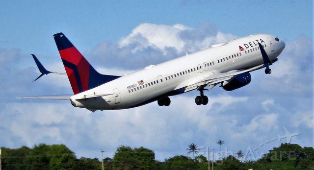 Boeing 737-900 (N858DZ)
