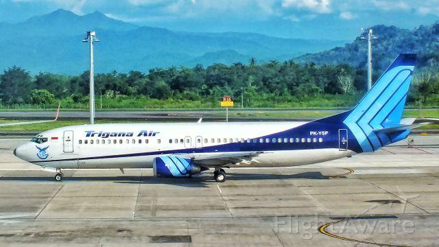 BOEING 737-300 (PK-YSF)