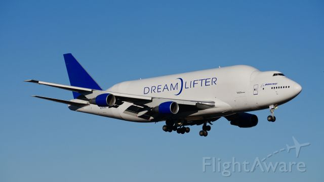Boeing 747-400 (N747BC) - GTI4151 from RJGG/NGO via PANC on final to Rwy 16R on 2/5/14. (LN:904 cn 25879).