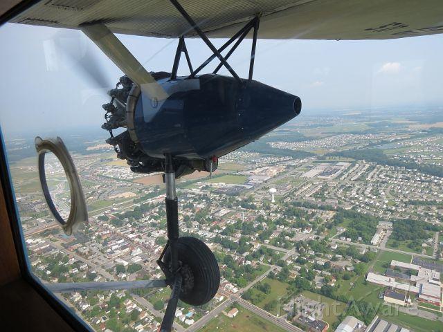 Experimental <100kts (N8419) - Cruising over Middletown, DE.