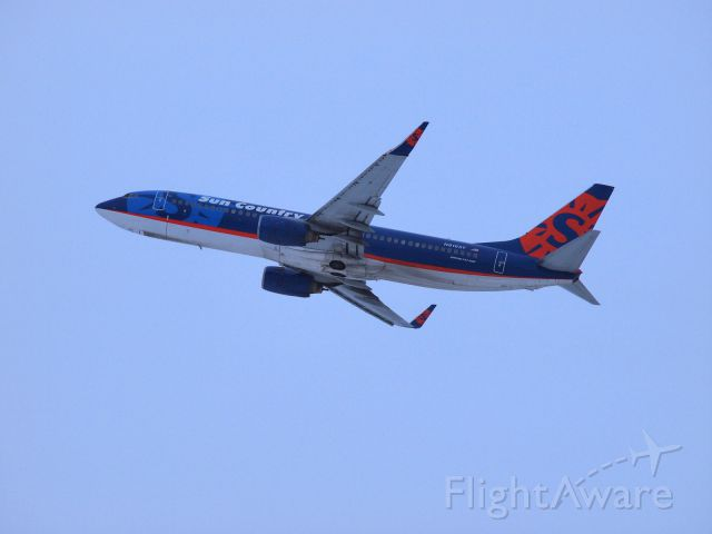 Boeing 737-800 (N816SY) - Early morning coffee and a quick spotting opportunity/catch.