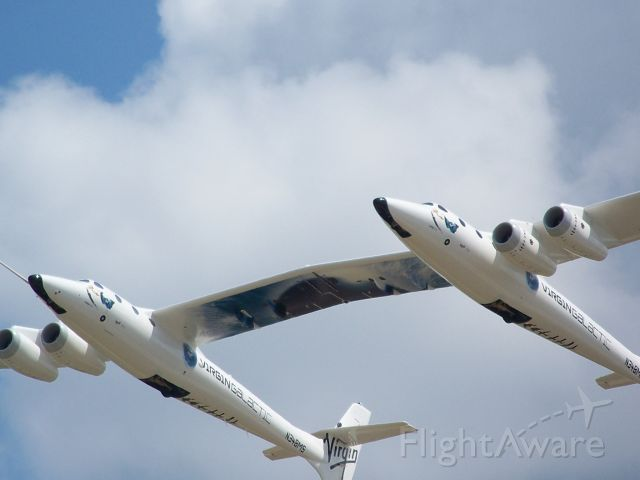Scaled Composites White Knight 2 (N348MS) - Virgin Galatic at Oshkosh 2009