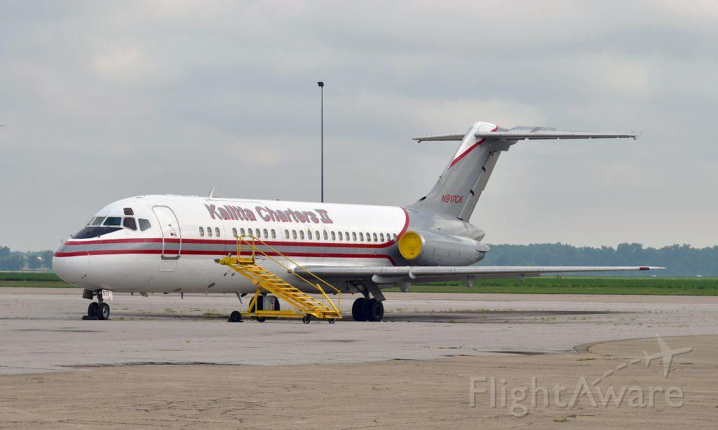 Douglas DC-9-10 (N917CK) - Kalitta Charters II McDonnell Douglas DC-9-15RC N917CK in Willow Run Airport, Ypsilanti, MI