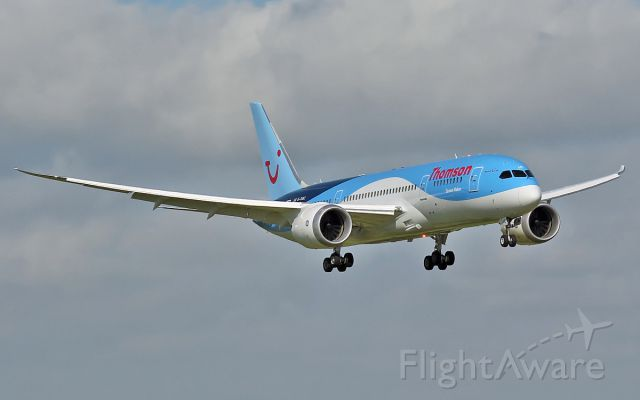 G-TUIC — - thomson dreamliner g-tuic about to land at shannon 19/6/13.