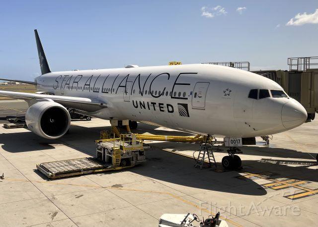 Boeing 777-200 (N78017)