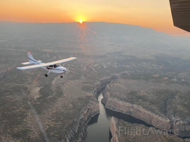 Cessna Skyhawk (N80CL)