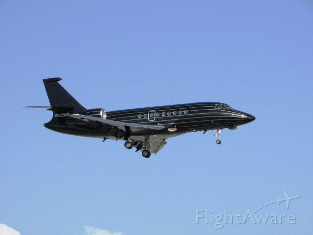 Dassault Falcon 2000 (N899BC) - Landing RWY 20R