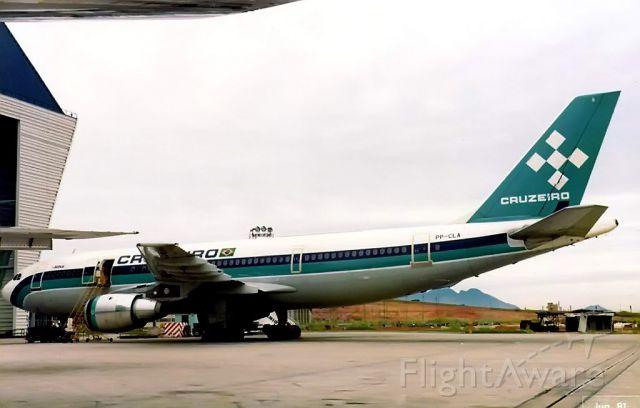 Airbus A300F4-200 (PP-CLA)