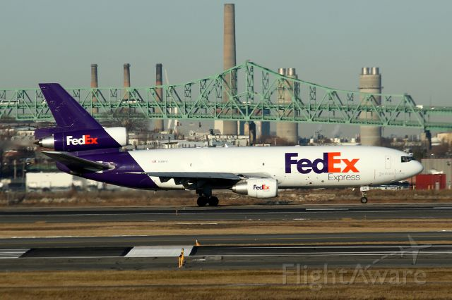 McDonnell Douglas DC-10 (N318FE) - FDX 822 to Memphis taxiing on