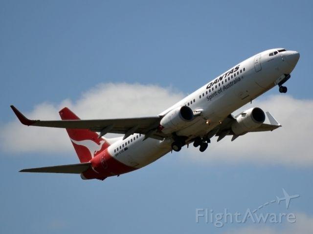 Boeing 737-800 (VH-VYE) - Getting airborne off runway 23.