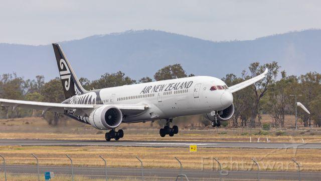Boeing 787-9 Dreamliner (ZK-NZH)